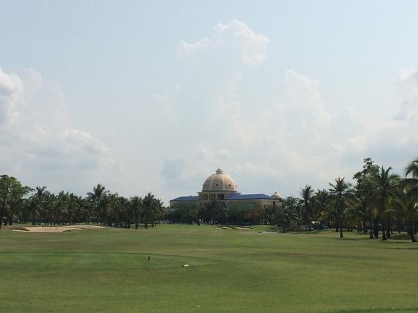 タイでのゴルフ_b0100062_21581680.jpg