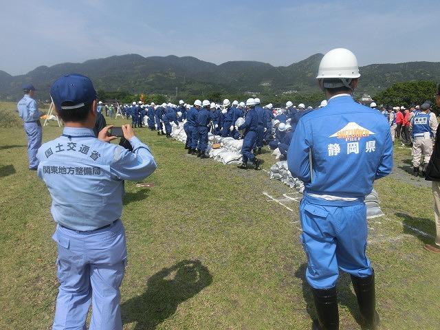 昨年9月の鬼怒川水害を思い出す中での28年度富士市水防訓練_f0141310_7583050.jpg