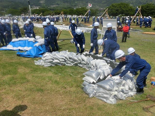 昨年9月の鬼怒川水害を思い出す中での28年度富士市水防訓練_f0141310_815665.jpg