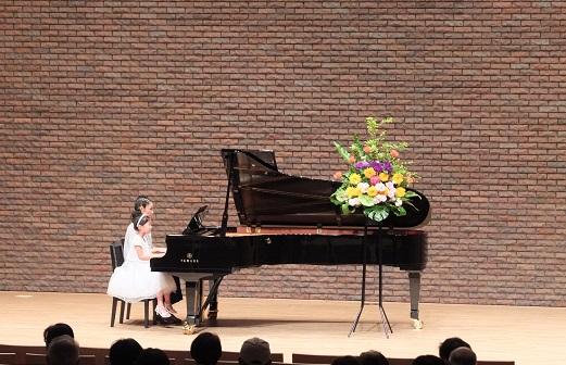 ピアノ講師募集!!(金曜日のみ)_f0190816_2472585.jpg