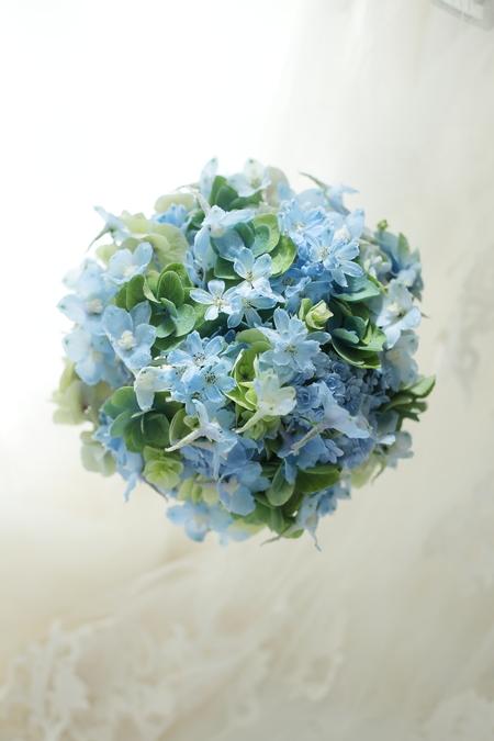 かすみそうのブーケ 横浜ロイヤルパークホテル様へ 今年のブーケの流行色_a0042928_2143470.jpg