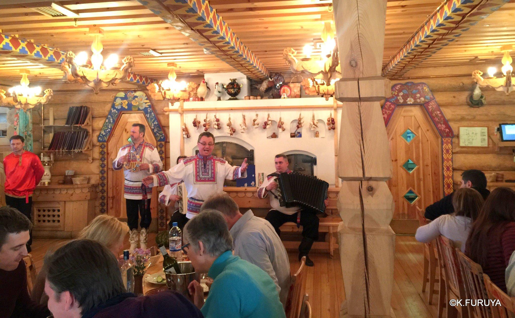 """ロシアの旅 4  レストラン""""ポトヴォーリエ""""_a0092659_22332552.jpg"""