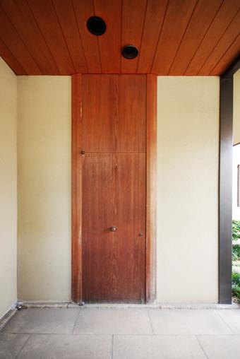 白井 晟一作の杉浦邸を見学できました。_c0195909_10474310.jpg
