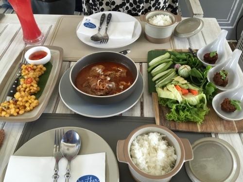 2016年GWバンコク旅行⑦ ドリアン・マッサマンカレーを食べる_e0052736_22173909.jpg
