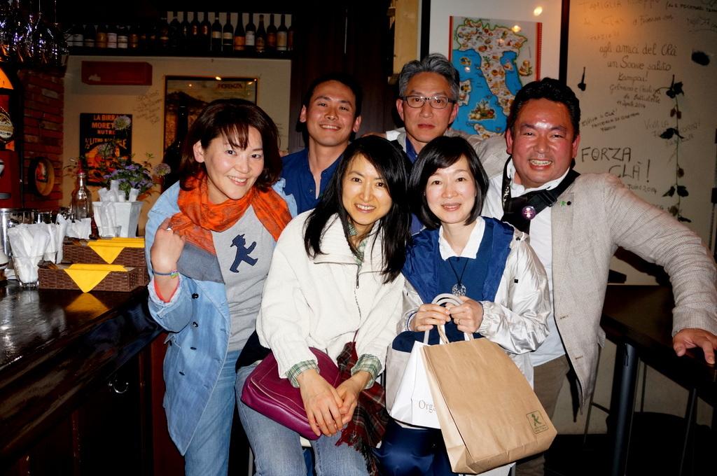 横浜レンガ倉庫、春のビール祭りにて。_c0180686_23473087.jpg
