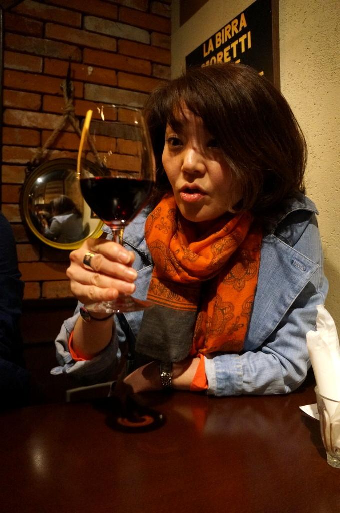 横浜レンガ倉庫、春のビール祭りにて。_c0180686_23480473.jpg