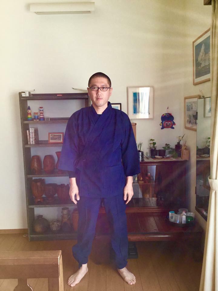 作務衣を着てみました。_a0112393_22535806.jpg