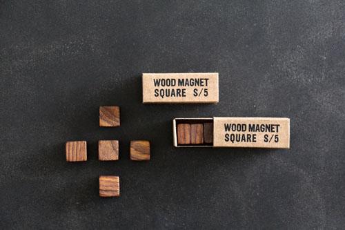 wood square magnet_b0165512_16483629.jpg