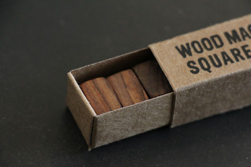 wood square magnet_b0165512_16484237.jpg