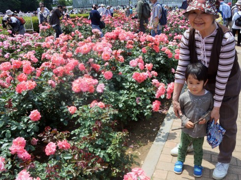 深大寺&バラフェスタ開催中の神代植物公園_f0006713_21515309.jpg
