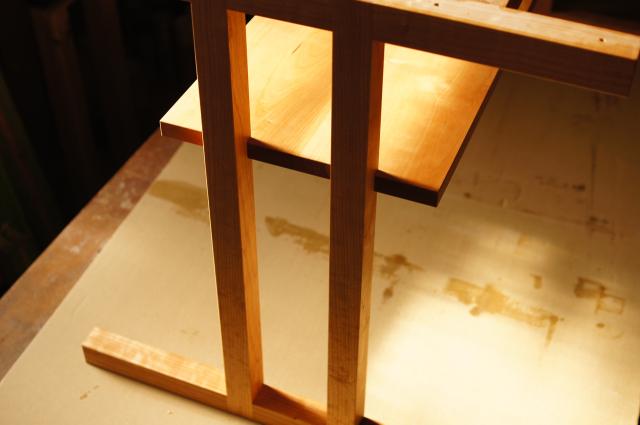 バーのテーブルを製作_a0122528_06570046.jpg