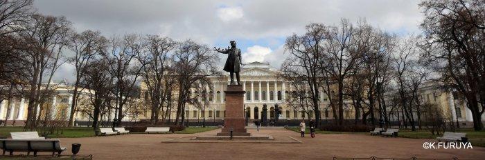 ロシアの旅 5 サンクトペテルブルク市内観光_a0092659_23264020.jpg