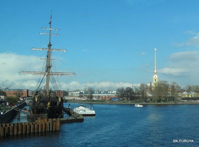 ロシアの旅 5 サンクトペテルブルク市内観光_a0092659_23273177.jpg