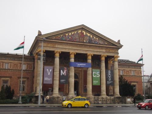 大迫力の議事堂!美術館!温泉!  魅力的なブダペストの街を満喫♪_c0351060_20495138.jpg