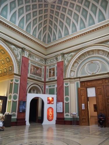 大迫力の議事堂!美術館!温泉!  魅力的なブダペストの街を満喫♪_c0351060_21243652.jpg