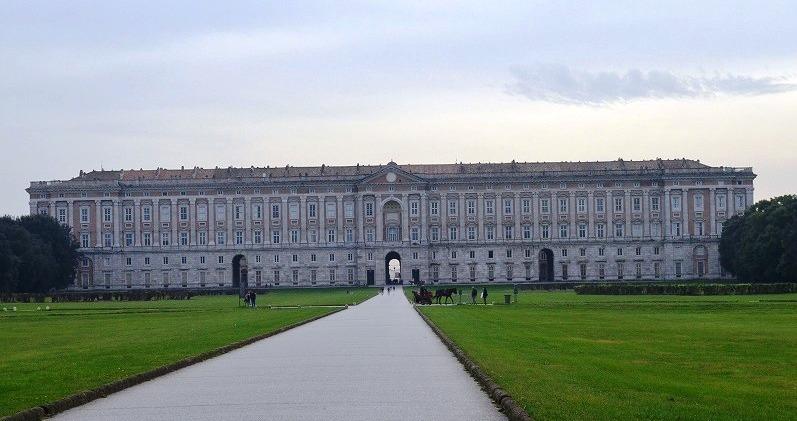 カセルタの王宮とフェルディナンド4世_e0224461_0302786.jpg