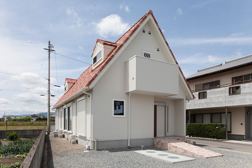 木造2階建てモダン屋根の家─3─_a0163962_1275453.jpg