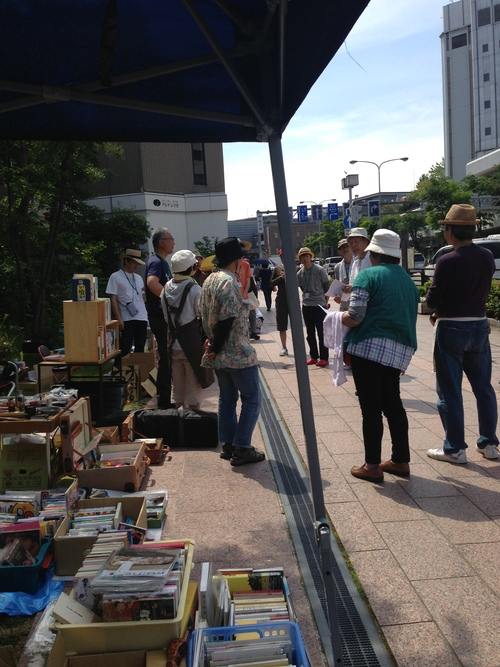 第40回 金沢一箱古本市@よこっちょ  の 様子_d0018868_0542412.jpg