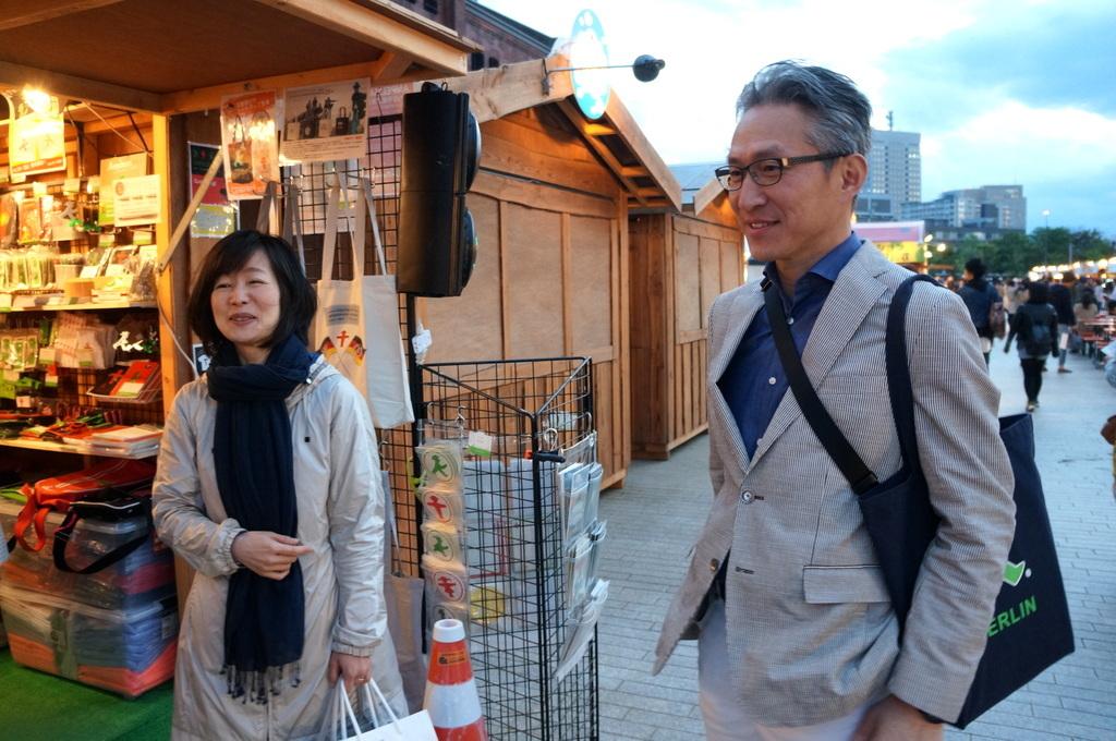 横浜レンガ倉庫、春のビール祭りにて。_c0180686_01525307.jpg