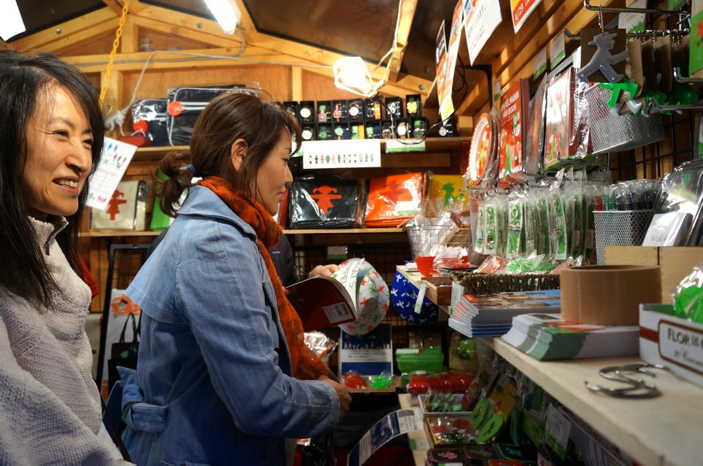 横浜レンガ倉庫、春のビール祭りにて。_c0180686_01531746.jpg