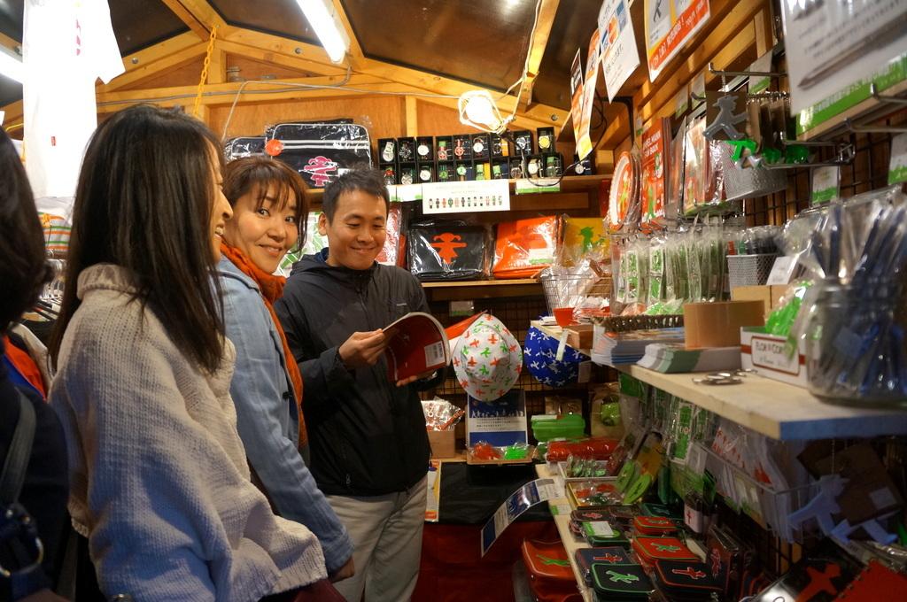 横浜レンガ倉庫、春のビール祭りにて。_c0180686_01532686.jpg