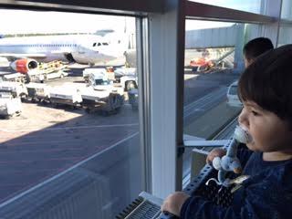 1歳児との長い飛行機の旅_a0229904_5515742.jpg