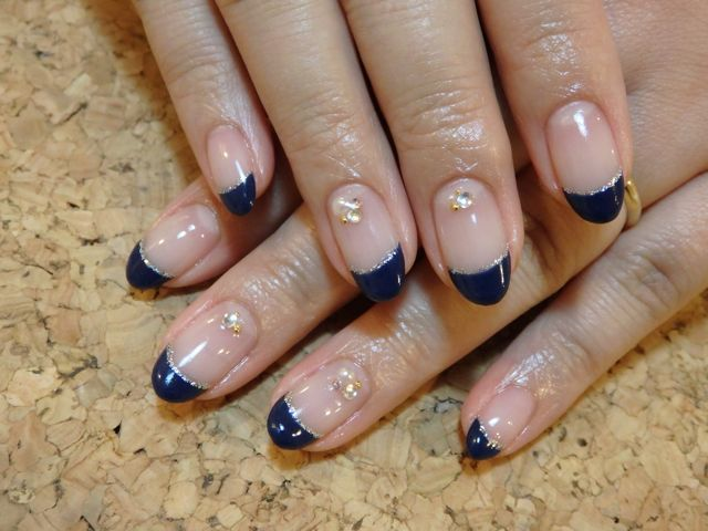 Navy French Nail_a0239065_17135334.jpg
