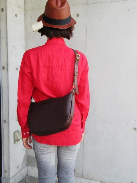 大好評のSLOW より、Stomach Shoulder BAG!★! (再)_d0152280_10381534.jpg
