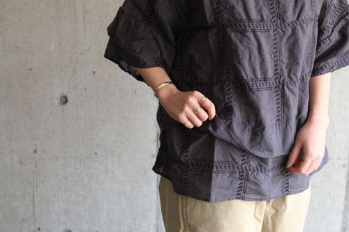 tumugu コットン刺繍ブラウス_b0165512_1802658.jpg