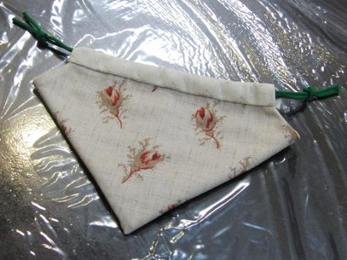 裁縫 ~ キルトのイチゴ型巾着 ~_e0222340_14582083.jpg