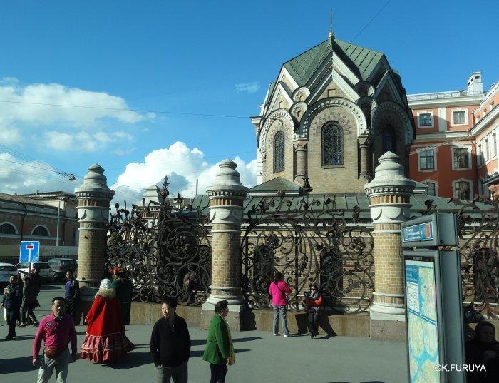 ロシアの旅 6 血の上の救世主教会_a0092659_22390259.jpg