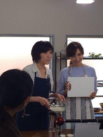 「食パン型付き!日本一簡単に家で焼ける食パンレシピBOOK」発売しました!_f0224568_1226736.jpg