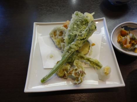 山菜天ぷら_f0219043_7403449.jpg