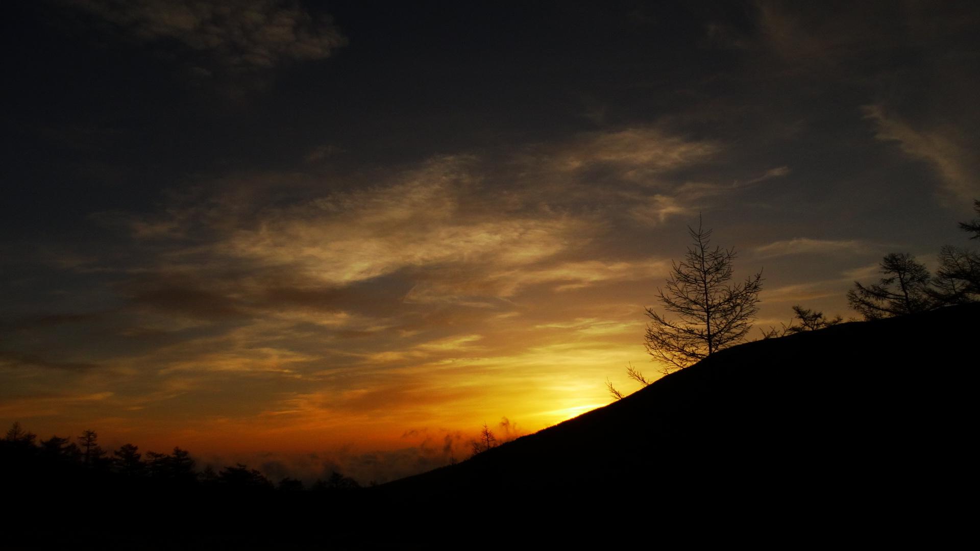 ご来光が綺麗な季節_e0120896_06332867.jpg