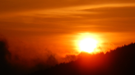 ご来光が綺麗な季節_e0120896_06395138.jpg