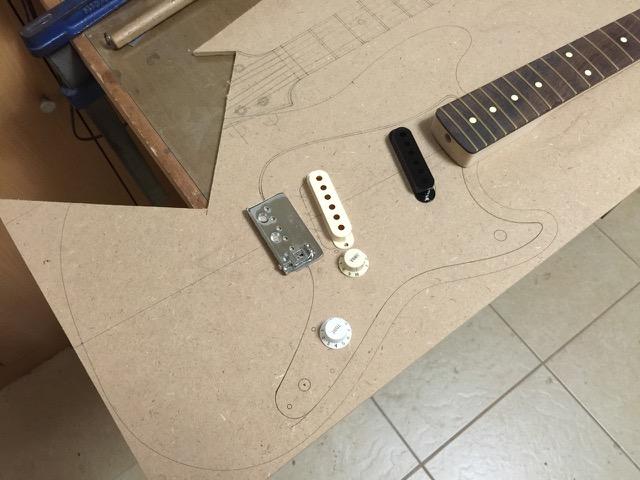 新しいギターが生まれるよ 2_f0181924_7444764.jpg