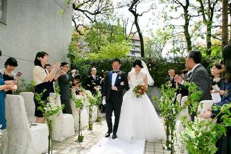 新郎新婦様からのメール レストランPACHON様への装花とブーケ、一年後に_a0042928_23255290.jpg