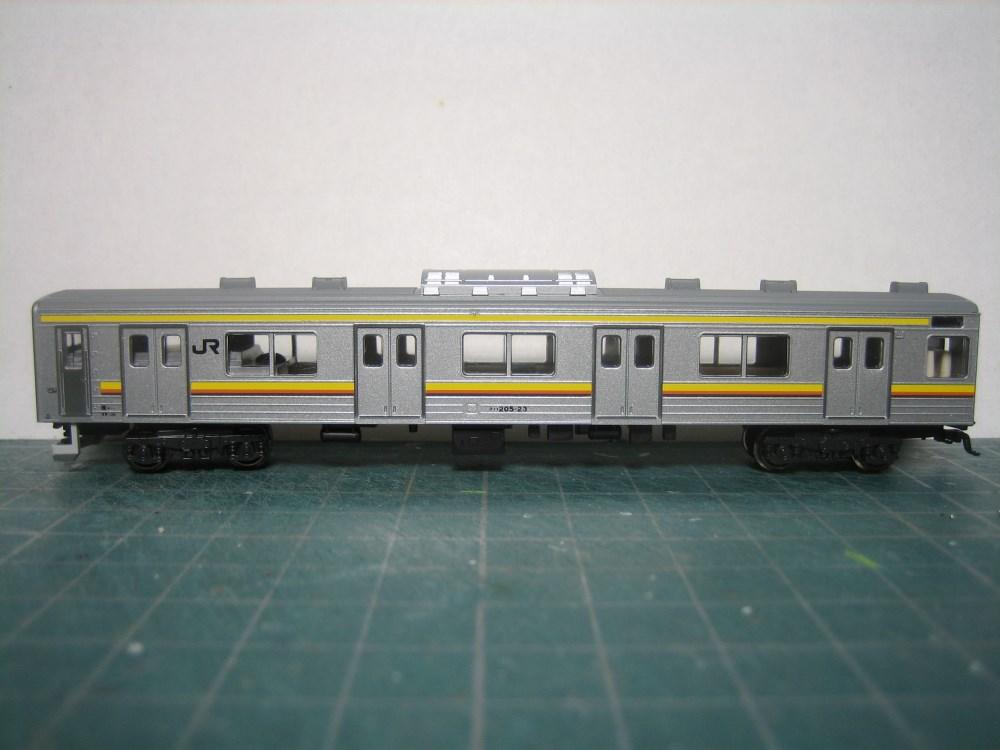 KATO 205系南武線シングルアームパンタ6輌セット入線_e0120143_2373836.jpg