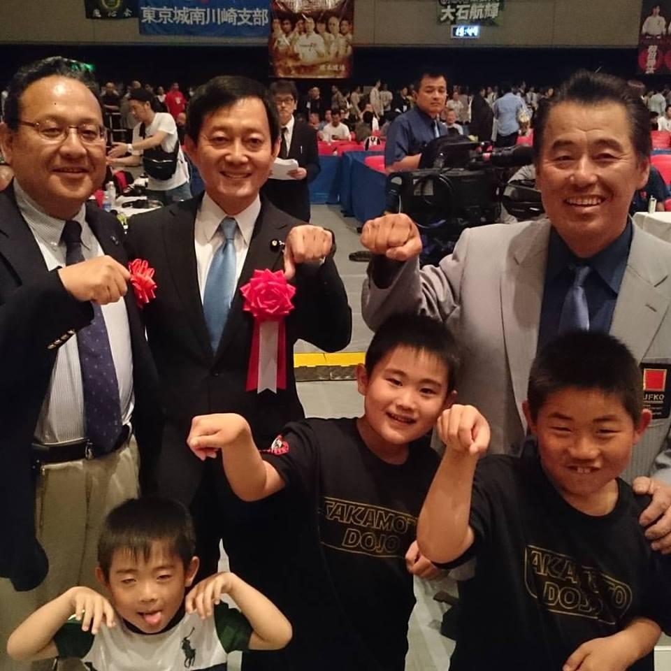 史上最大のオープントーナメント「第3回全日本フルコンタクト空手道選手権大会」が無事に終了出来ました。_c0186691_1134040.jpg