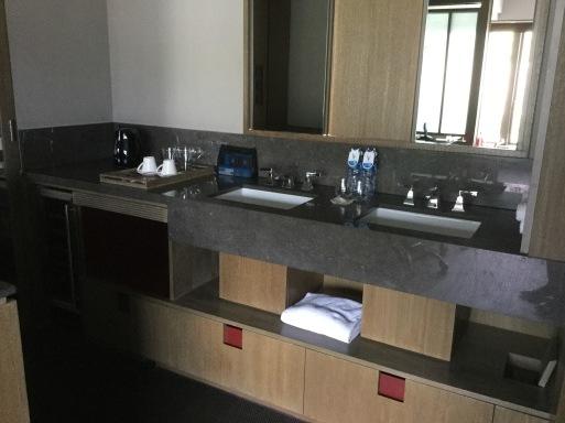 HONGKONGのHOTEL…V湾仔2酒店_b0210699_00171850.jpeg