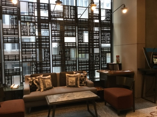 HONGKONGのHOTEL…V湾仔2酒店_b0210699_18130254.jpeg