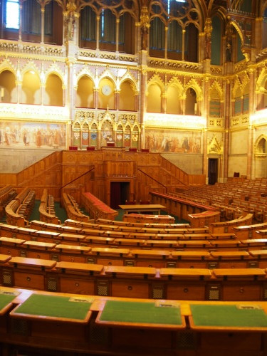 大迫力の議事堂!美術館!温泉!  魅力的なブダペストの街を満喫♪_c0351060_20141238.jpg