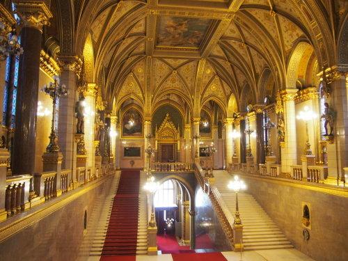 大迫力の議事堂!美術館!温泉!  魅力的なブダペストの街を満喫♪_c0351060_20383153.jpg