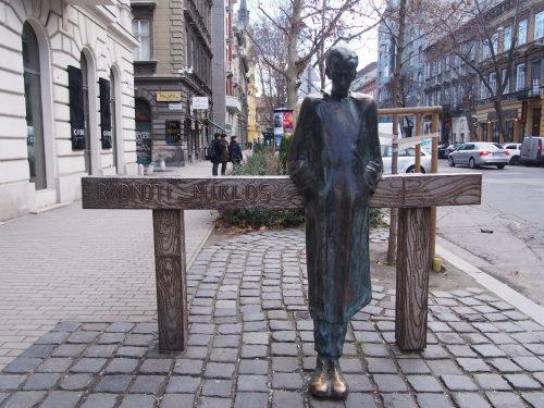 大迫力の議事堂!美術館!温泉!  魅力的なブダペストの街を満喫♪_c0351060_21001496.jpg