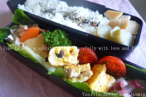 【今日のお弁当】「野菜炒め弁当」&「肉じゃが弁当」_c0332287_13175749.jpg