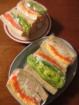 キビヤベーカリーと一昨日のサンドイッチ。_f0231189_08182285.jpg