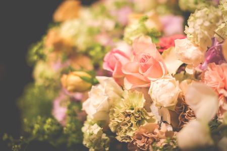新郎新婦様からのメール メゾン ポール・ボキューズ様へ 初夏の装花 ニュアンスカラーで _a0042928_16292549.jpg