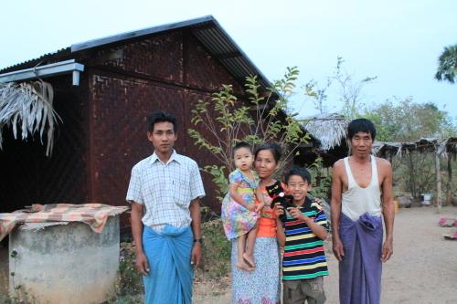 のら猫クロッチ、ミャンマーに行く!_f0193056_15565968.jpg