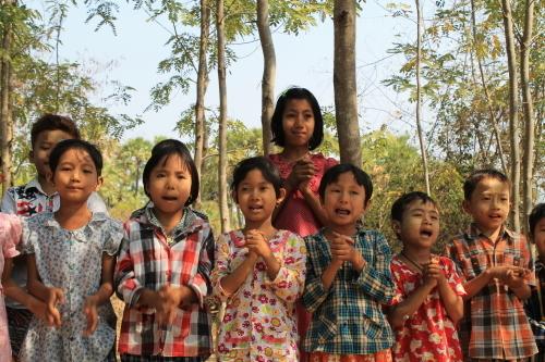 のら猫クロッチ、ミャンマーに行く!_f0193056_16014293.jpg