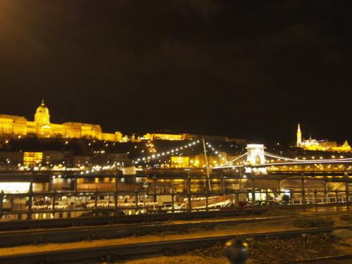 大迫力の議事堂!美術館!温泉!  魅力的なブダペストの街を満喫♪_c0351060_12063708.jpg